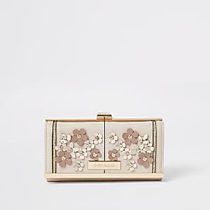 Roze verfraaide portemonnee met druksluiting en bloemenprint