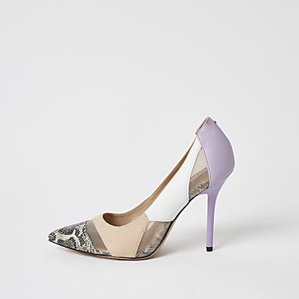 Beige snake printed mesh court shoes