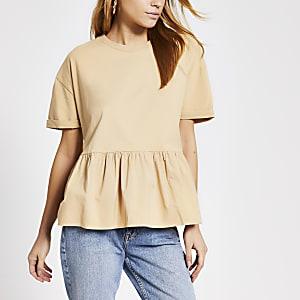Beige gesmokt T-shirt met peplum en korte mouwen