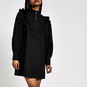 RI Petite - Zwarte hoogsluitende mini-jurk met ruches