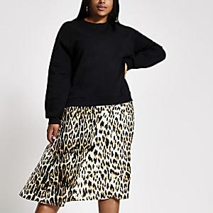 Plus – Schwarzes Sweatshirt-Kleid mit Leoprint