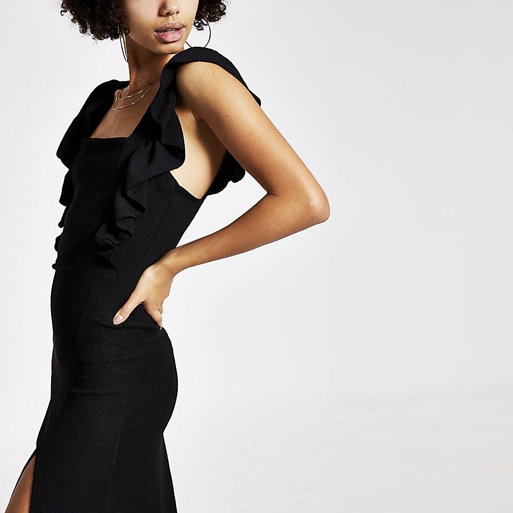 Zwarte midi-jurk met ruches rond mouwen