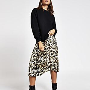 Schwarzes Slip-Kleid im Sweatshirt-Stil mit Leoparden-Print