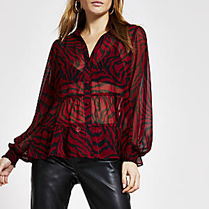 Transparente, gesmokte Bluse mit Animal-Print in Rot