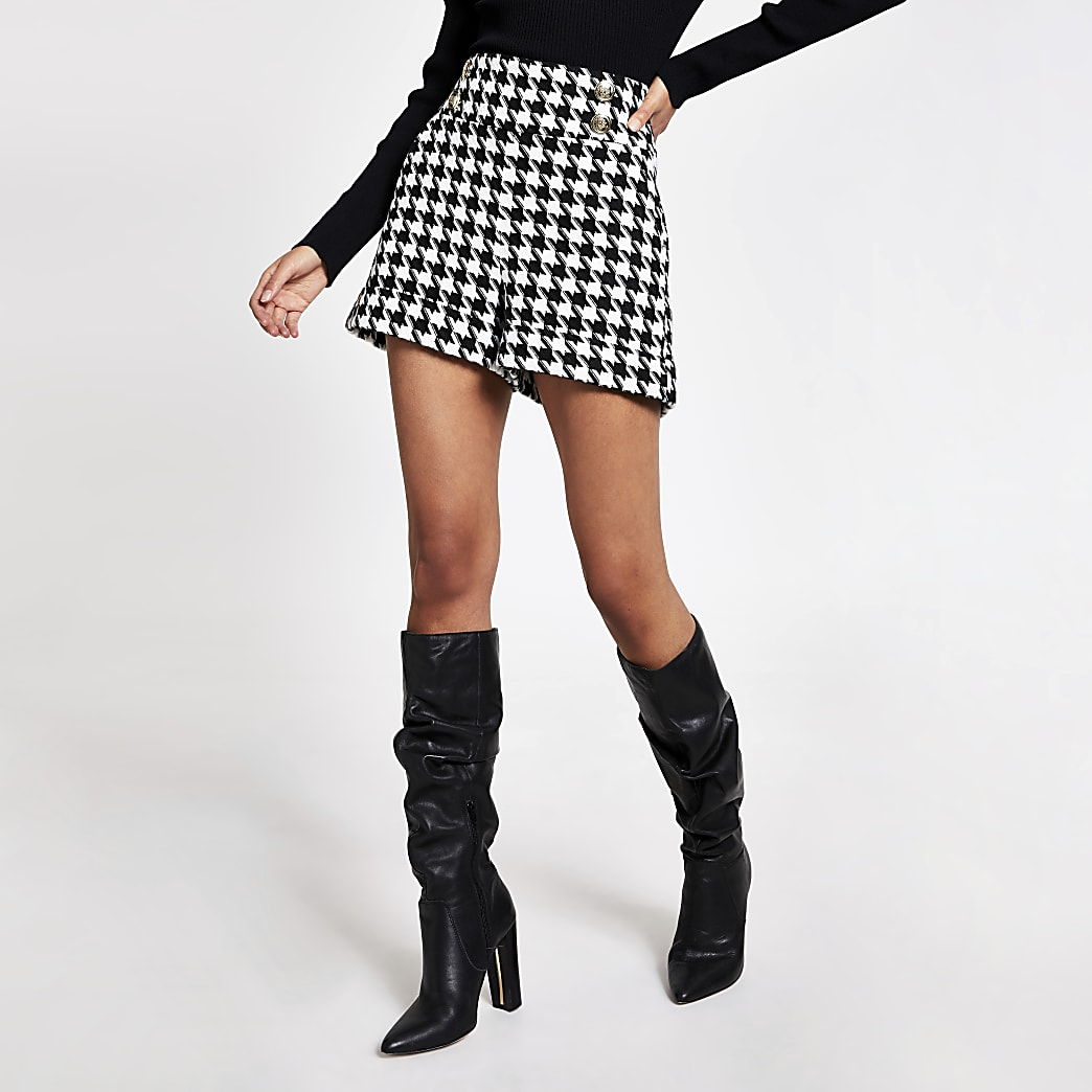 Black dogtooth check button front shorts