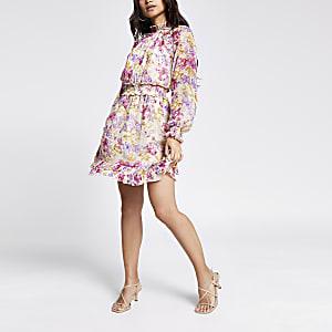 RI Petite - Roze mini-jurk met bloemenprint en ruche om de taille