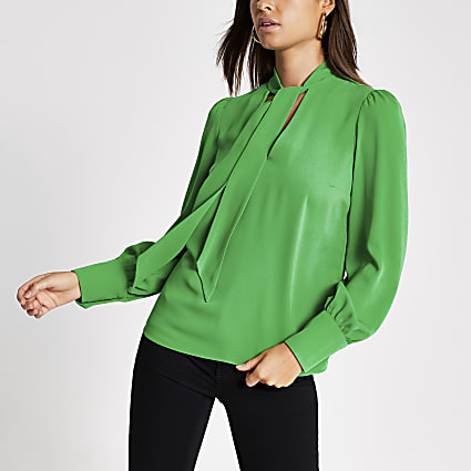 Green long sleeve tie V neck blouse