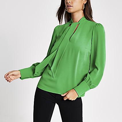 Green long sleeve tie V neck blouse