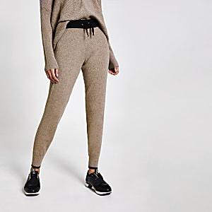 Braune Jogginghose aus Strick mit Bündchen in Kontrastfarbe