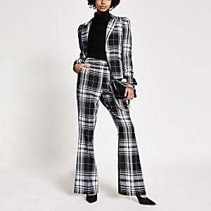 Pantalon évasé à carreaux noir et blanc
