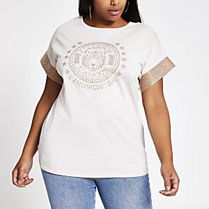 Plus – Beiges T-Shirt mit verziertem Ärmel