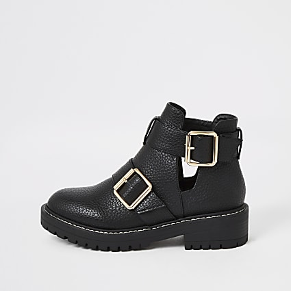Black cutout buckle side chunky ankle boots