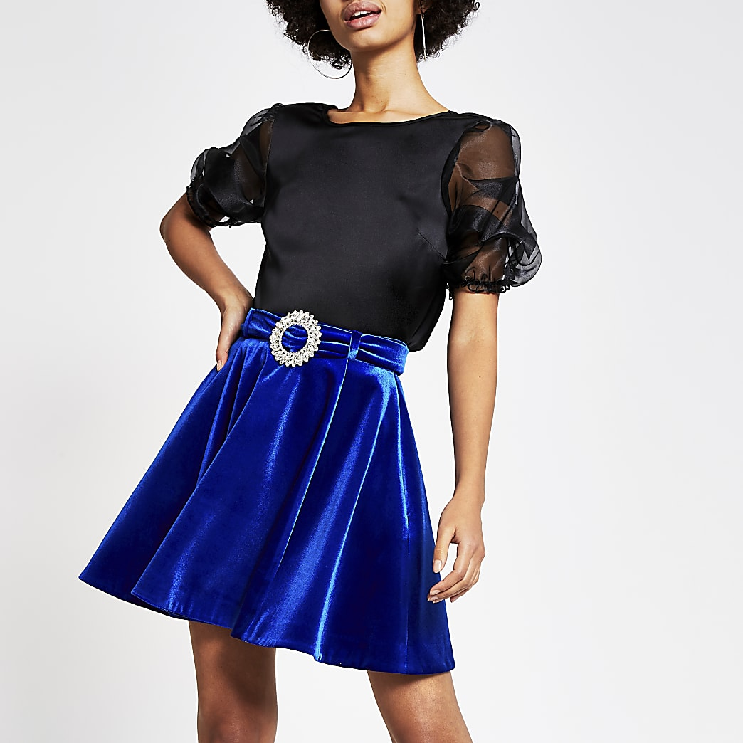 Mini-jupe en velours bleuà strass avec ceinture