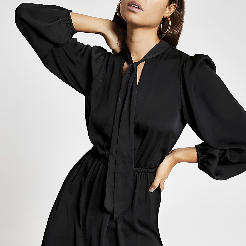 Black tie V neck long sleeve midi dress