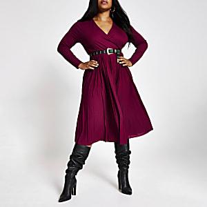 RI Plus - Donkerrode geplooide midi-jurk met overslag