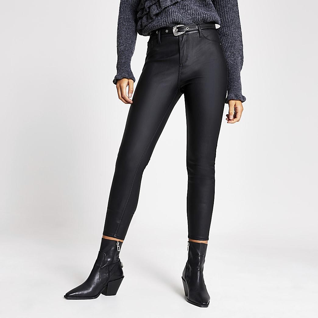 Molly – Schwarze Hose aus Lederimitat mit Gürtel