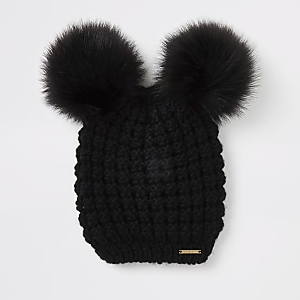 Black faux fur pom pom knitted hat