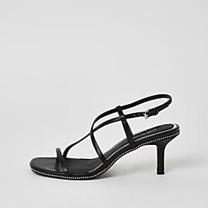 Zwarte sandalen met kralenborduursel bandjes en lage hak