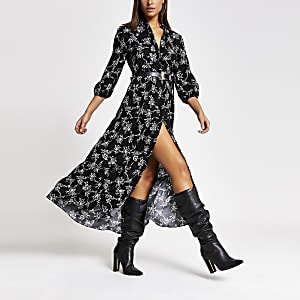 Robe-chemise mi-longue noire smockée à fleurs