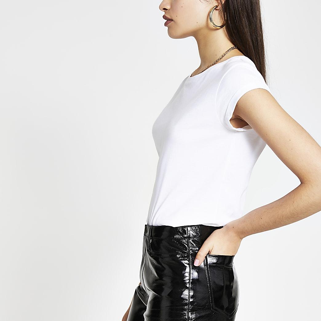 White short turn-up sleeve T-shirt
