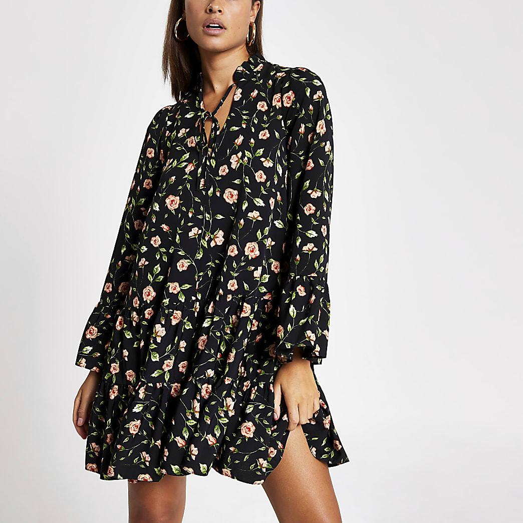 Schwarzes, gesmoktes Minikleid mit Rosenprint