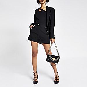 Shorts noirs taille haute avec boutonsà écusson