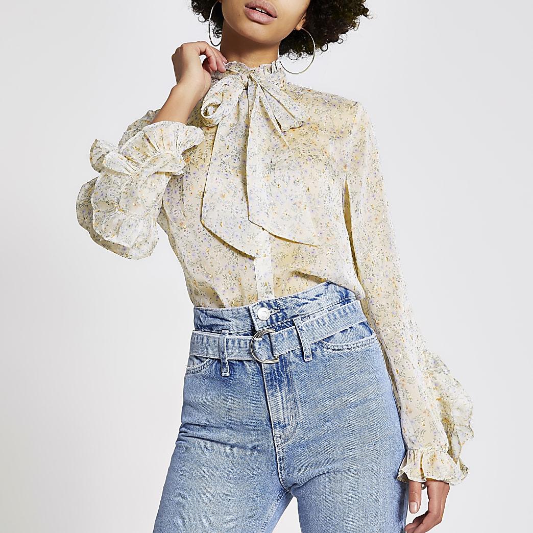 Crèmekleurig overhemd met bloemenprint, strik bij hals en ruches