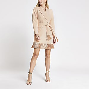 Petite– Robe blazer roseà franges