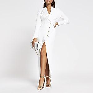 Robe longue blanche boutonnée style blazer