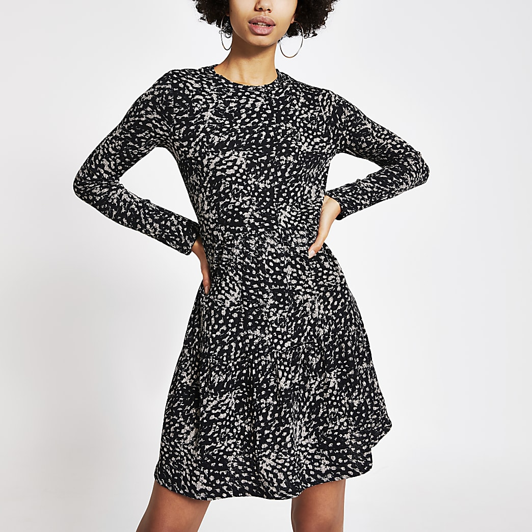 Black printed ribbed mini smock dress