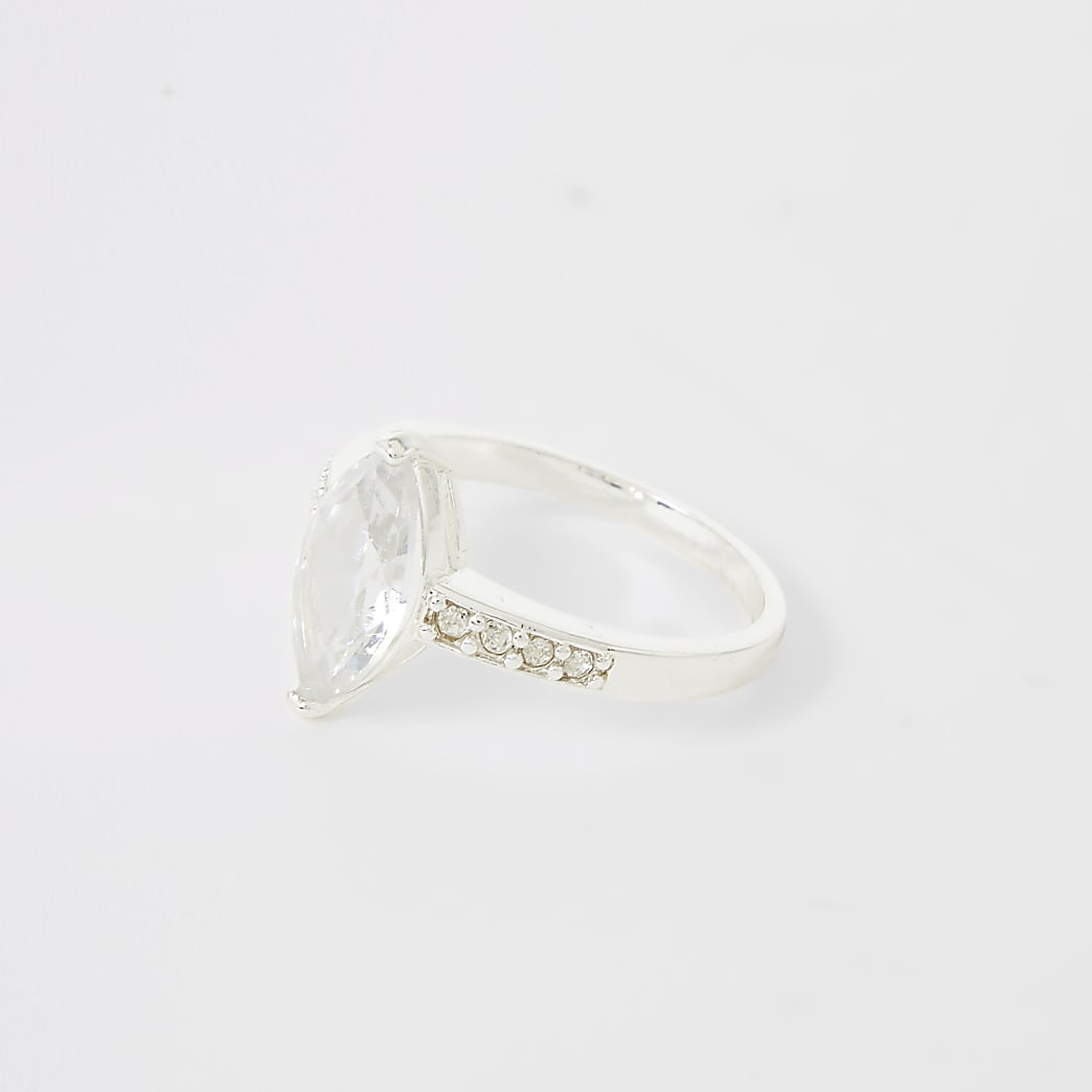 Silver colour navette diamante ring