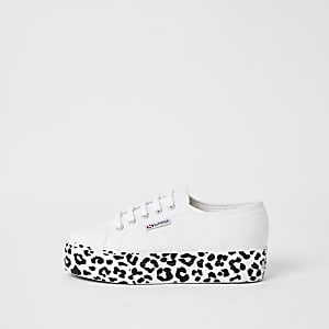 Superga - Witte sneakers met plateauzool en luipaardprint