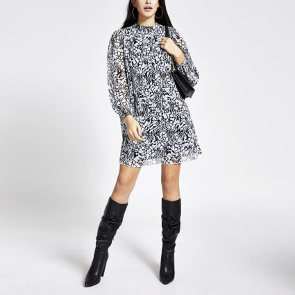 Black printed pleated long sleeve swing dress