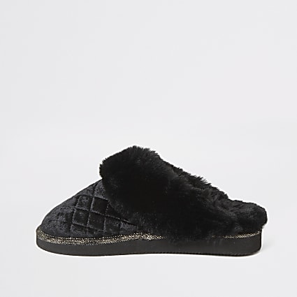 Black velted quilted faux fur mule slippers