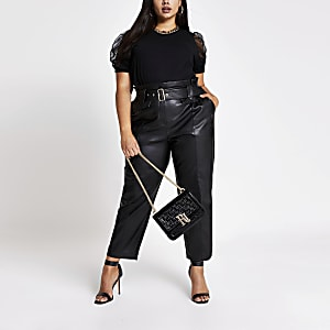 Plus– Schwarzes T-Shirt mit kurzen Puffärmeln aus Netzstoff