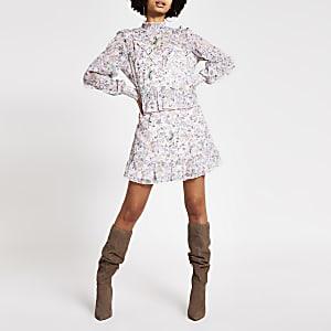 Roze mini-jurk met print, ruches en lange mouwen