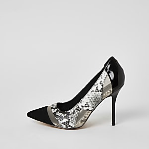 Zwarte wide fit pumps met slangenprint en mesh