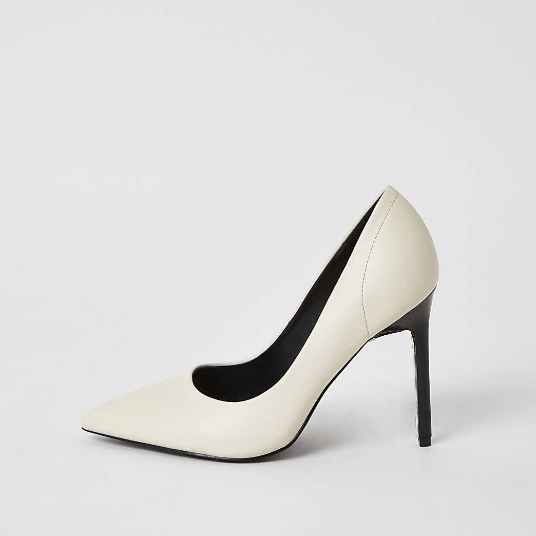 White wide fit court shoes