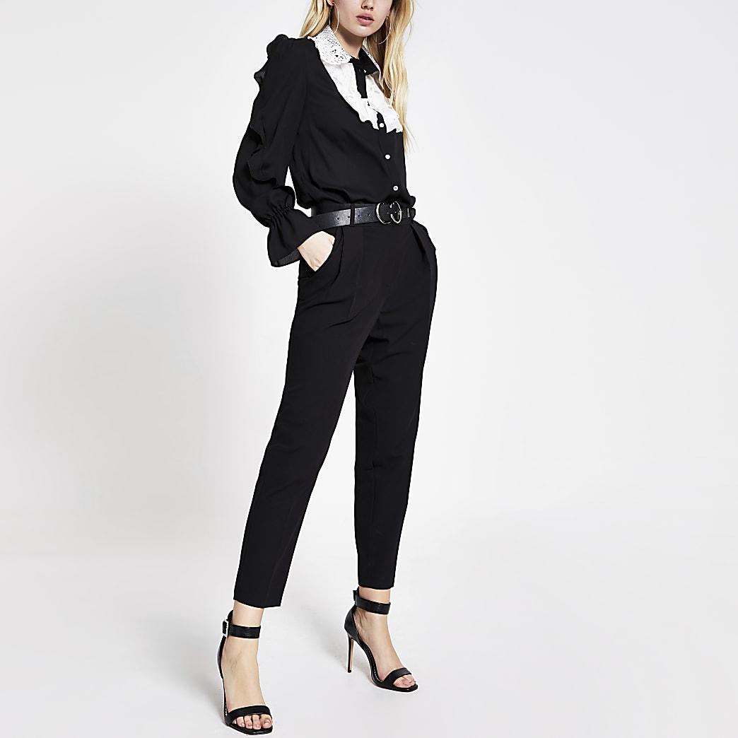 Chemise noire à manches longues avec volants et dentelle