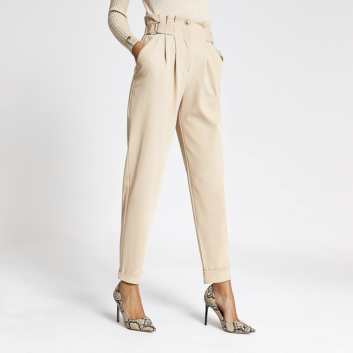 Beige buckle waist peg leg trousers