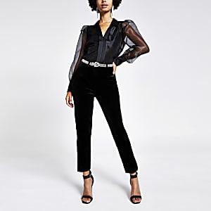 Pantalon cigarette en velours noir avec ceintureà strass