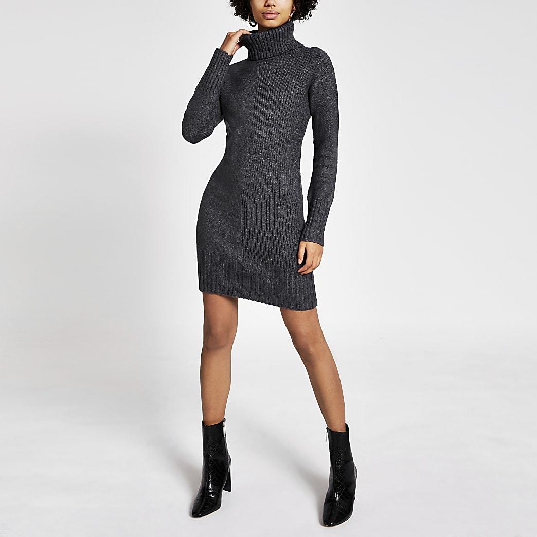 Donkergrijze gebreide jurk met afneembare cirkelsjaal
