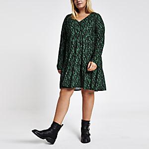 Plus – Grünes, gesmoktes Minikleid mit Print