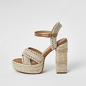 Sandales espadrilles beigescloutéesà semelle plateforme