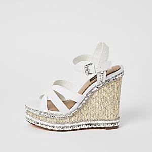Witte verfraaide sandalen met sleehak en wijde pasvorm