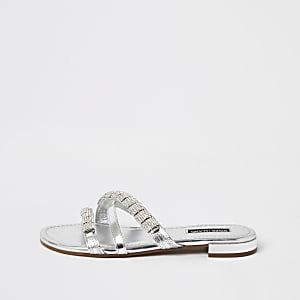 Sandales argentées à sangles ornées de cuir