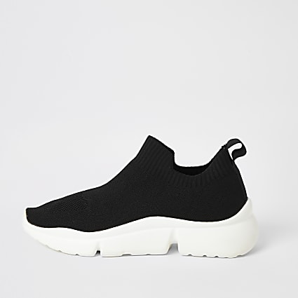 Black knitted split sole runner trainers