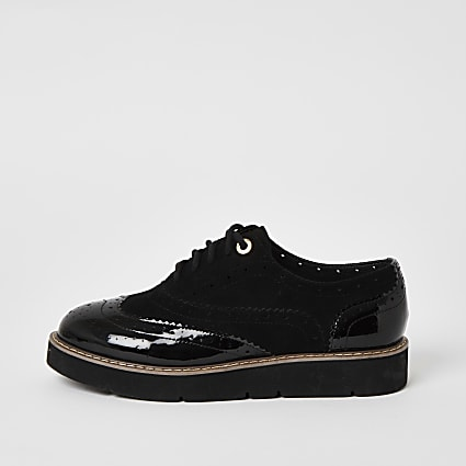 Black lace-up chunky sole brogues
