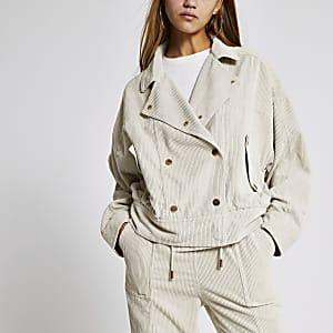 Cremefarbene Oversized-Jacke aus Cord mit Knopfleiste vorne