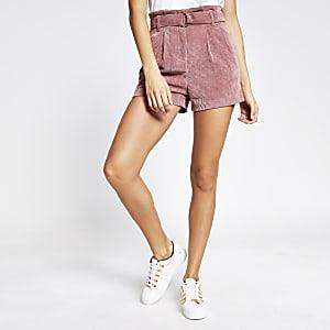 Pinkfarbene Paperbag-Shorts aus Cord mit Gürtel